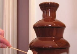 sweet-pop-times-chocolate-fountain-smuff-fantana-ciocolata-4.950x670-adaptive